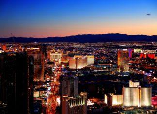 Noc v Las Vegas   rabbit75123/123RF.com