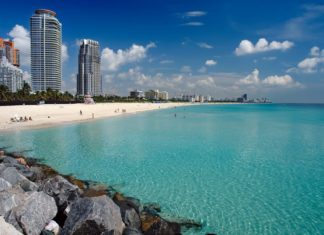 Pláž v Miami na Floridě | sborisov/123RF.com