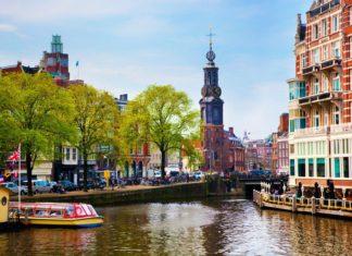 Říční kanál v Amsterdamu | niserin/123RF.com