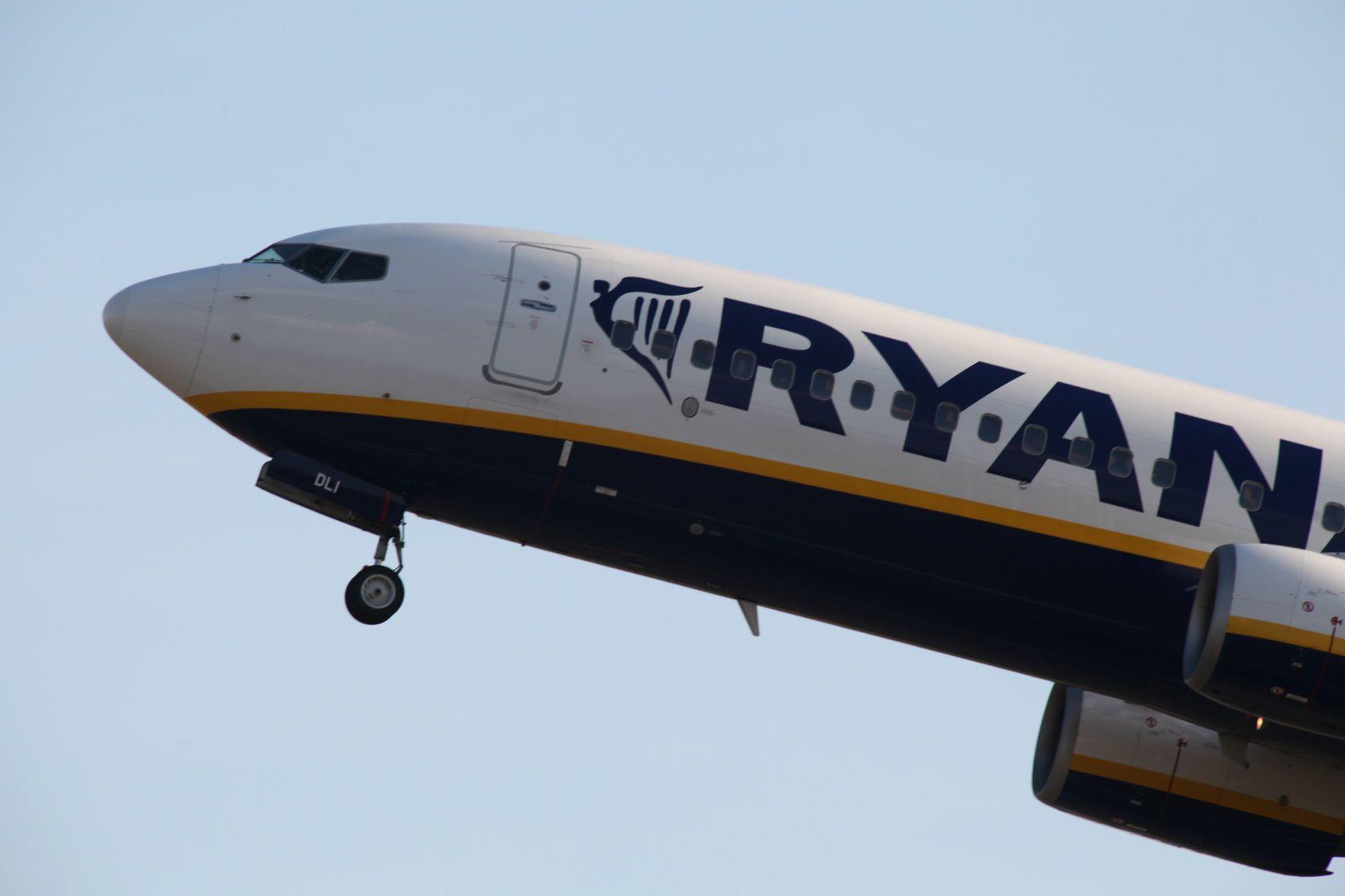 Boeing 737 společnosti Ryanair   trevorbenbrook/123RF.com