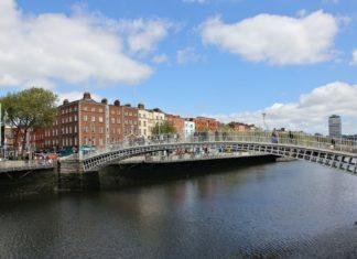 Most přes řeku v Dublinu | theboot/123RF.com