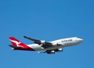 Qantas Boeing 747-400 | filedimage/123RF.com