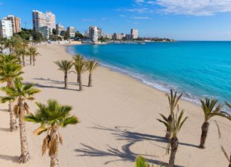 Pláž San Juan v Alicante | tonobalaguer/123RF.com