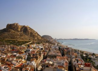 Španělské letovisko Alicante | patrykkosmider/123RF.com