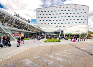 Nádvoří před letištěm v Eindhovenu | amoklv/123RF.com