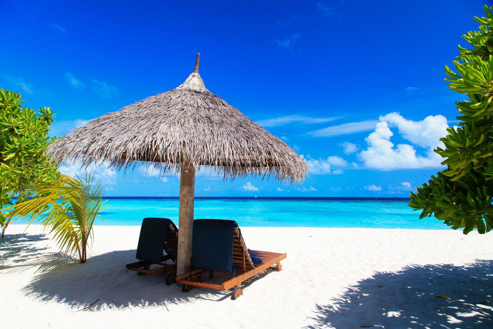 Písečná pláž na Maledivách | nadezhda1906/123RF.com