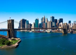Brooklyn Bridge a Manhattan | speedskater/123RF.com