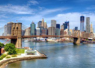 Populární Brooklyn Bridge v New Yorku | sepavo/123RF.com